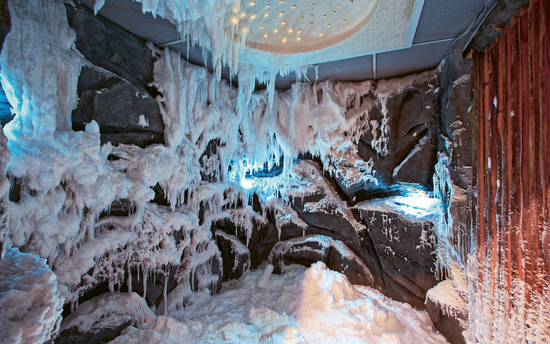 اتاق برف ، قابل استفاده در کلیه مجموعه های ورزشی-تفریحی و مجتمع های تجاری-مسکونی